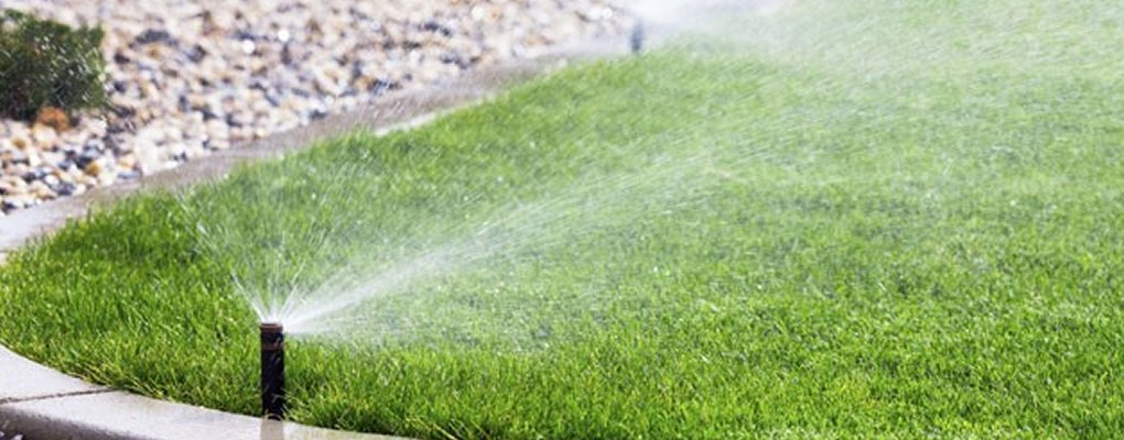 Poli - Giardinieri: Impianti di Irrigazione a Poli